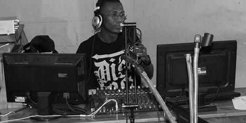 Les jeunes mélomanes et loveurs de la musique urbain
