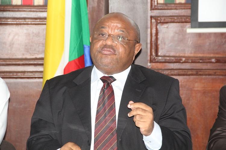 M. le Ministre des affaires étrangères a répondu à M. Mchangama, directeur de HaYba FM