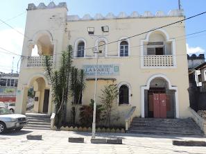 HaYba MUNICIPALITÉS  Mairie de Moroni :  Embuscades et Secousses Entre Alliés